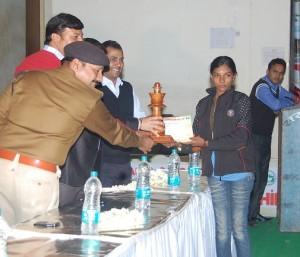 Mr Amit Sangh ASP Katni, Mr Jitendra Singh ,Mr Sumit Agrawal, Varshini V 1st- women section (Tamilnadu)