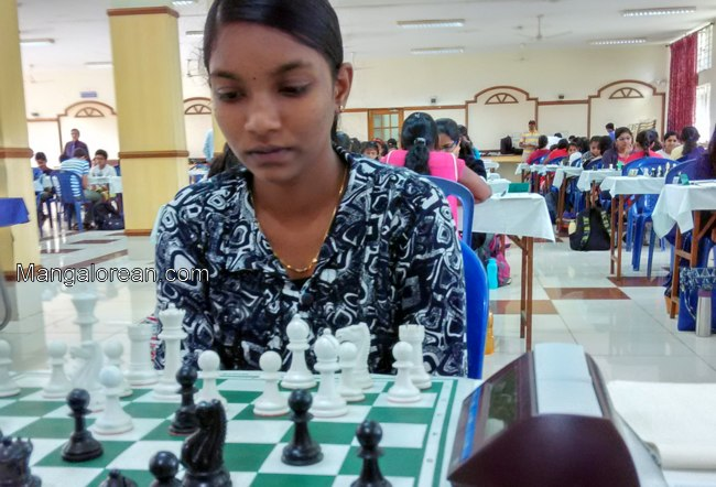 Varshini Holds Pratyusha In Round Four