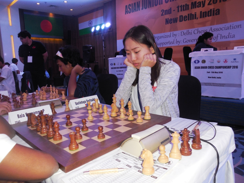 Narayanan back in sole lead; three share lead in girls