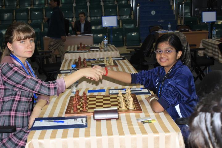 Vantika upsets top seed Solozhenkina and takes India forward!