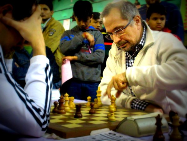 Sankarsha Shelke continues to lead the Juniors; Valeriy Neverov dominates the Open